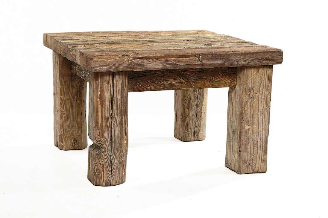 drewniany stolik ze starego drewna ciosanego ręcznie-lekko bielony