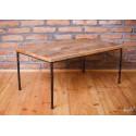 Industrialny stolik ze starego drewna - na szpilkach