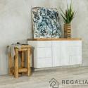 Hoker - stołek ze starego drewna ciosanego ręcznie